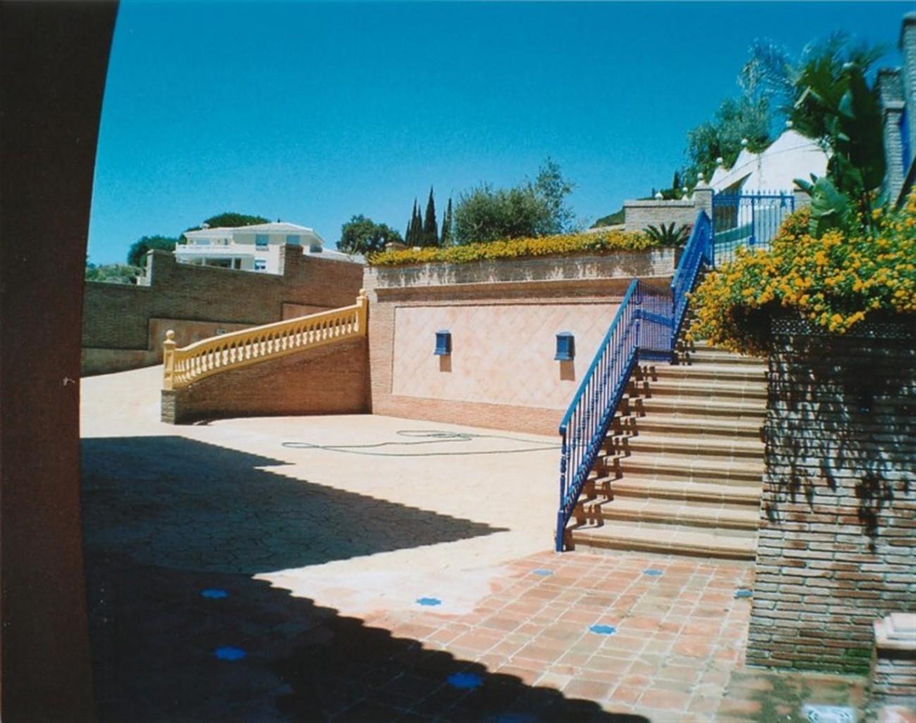 V5530 Villa Elviria 3 (Large)