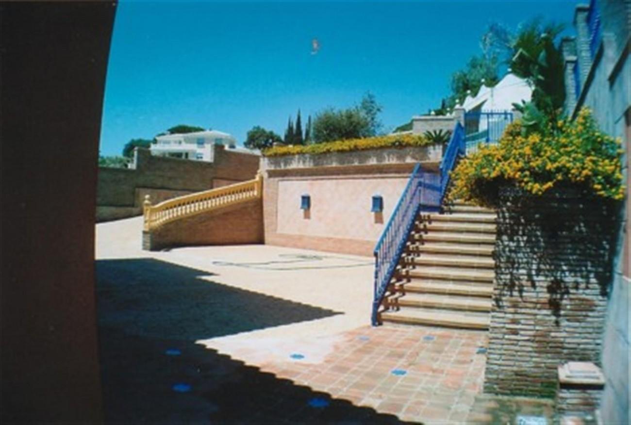 V5530 Villa Elviria 7 (Large)