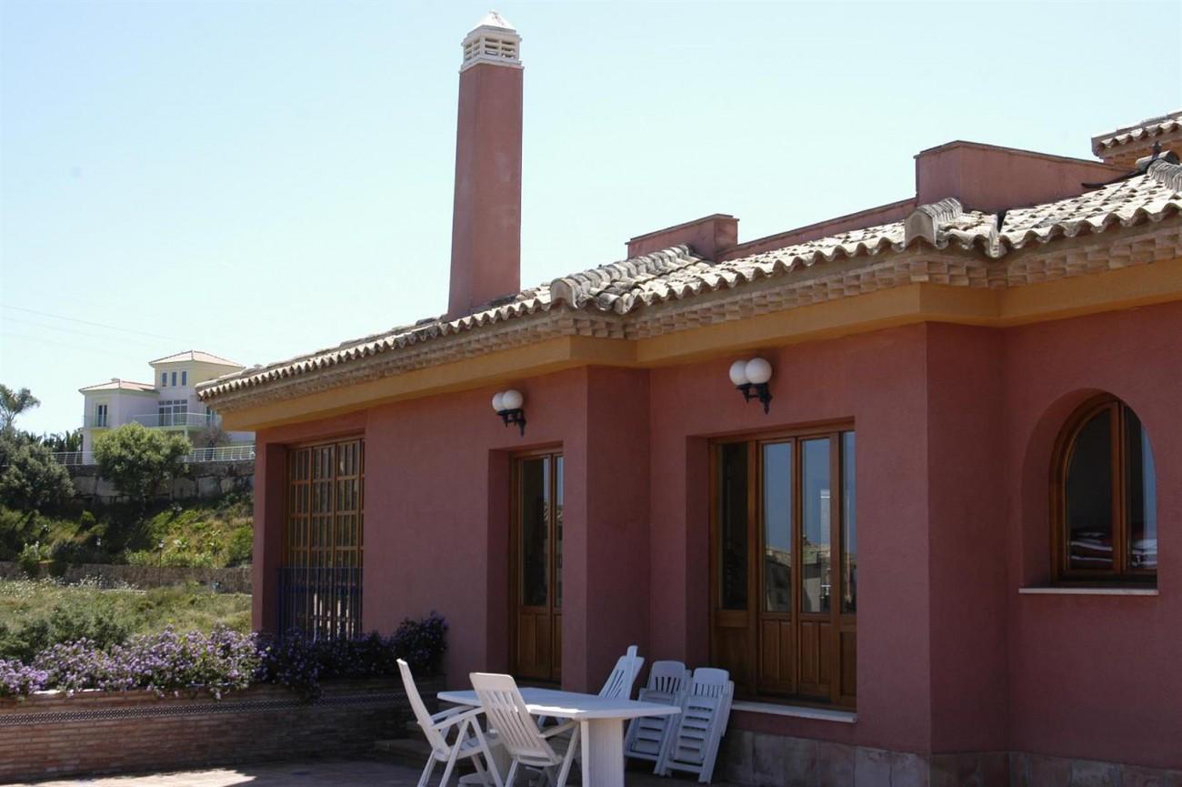 V5530 Villa Elviria 8 (Large)