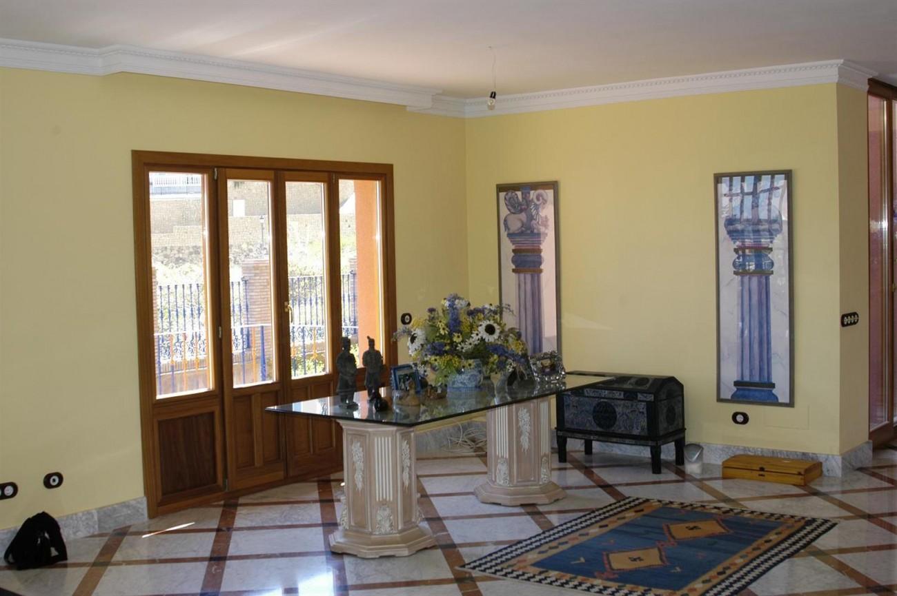 V5530 Villa Elviria 10 (Large)