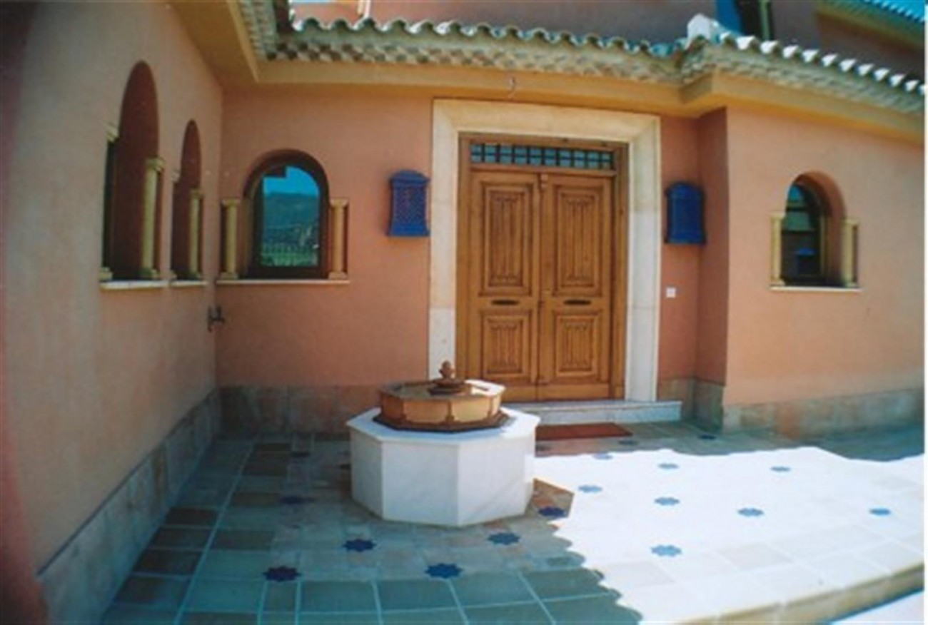 V5530 Villa Elviria 11 (Large)