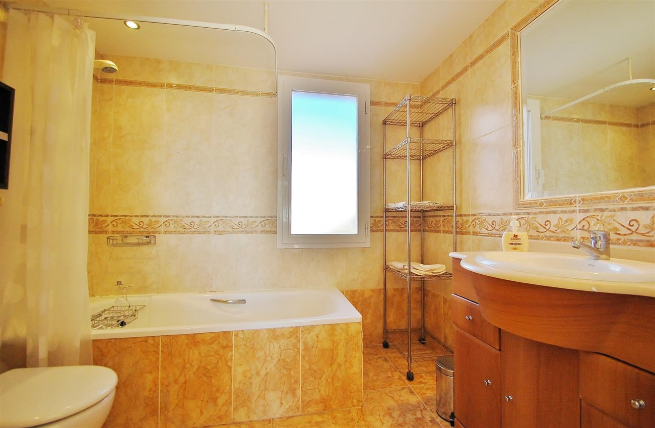 TH5544 Townhouse Nueva Andalucia 14 (Large)