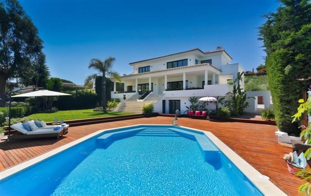 V5548 Luxury villa Nueva Andalucia 1 (Large)