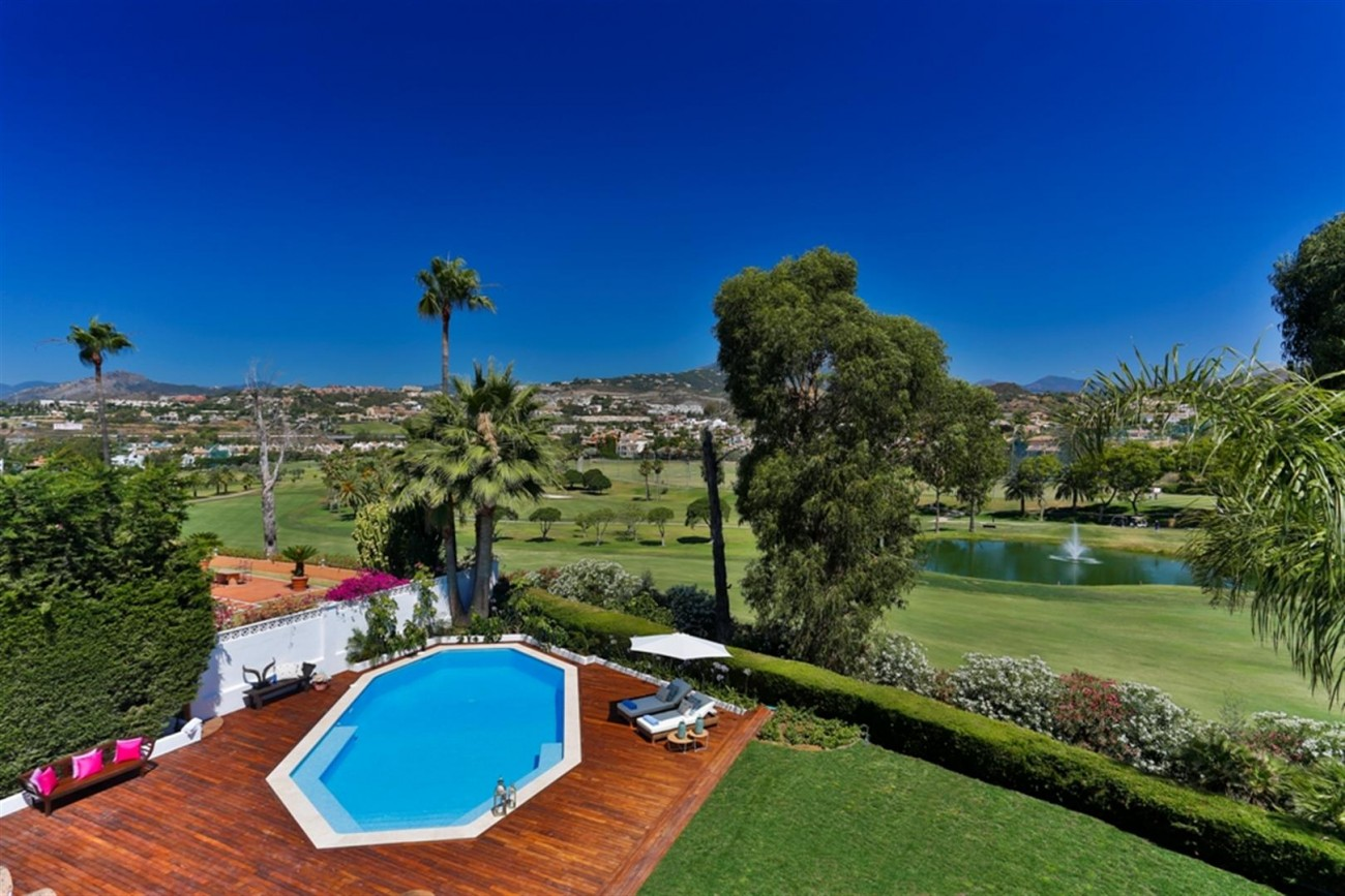 V5548 Luxury villa Nueva Andalucia 2 (Large)
