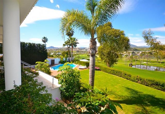 V5548 Luxury villa Nueva Andalucia 14 (Large)