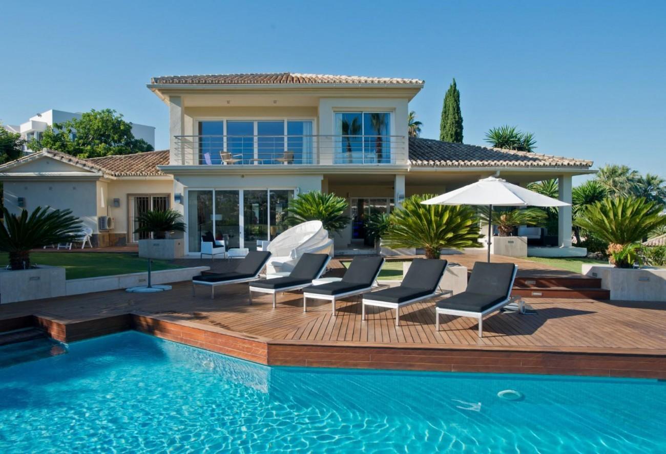 V5549 Frontline golf villa Nueva Andalucia 1 (Large)