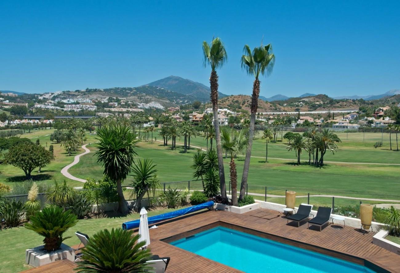 V5549 Frontline golf villa Nueva Andalucia 2 (Large)