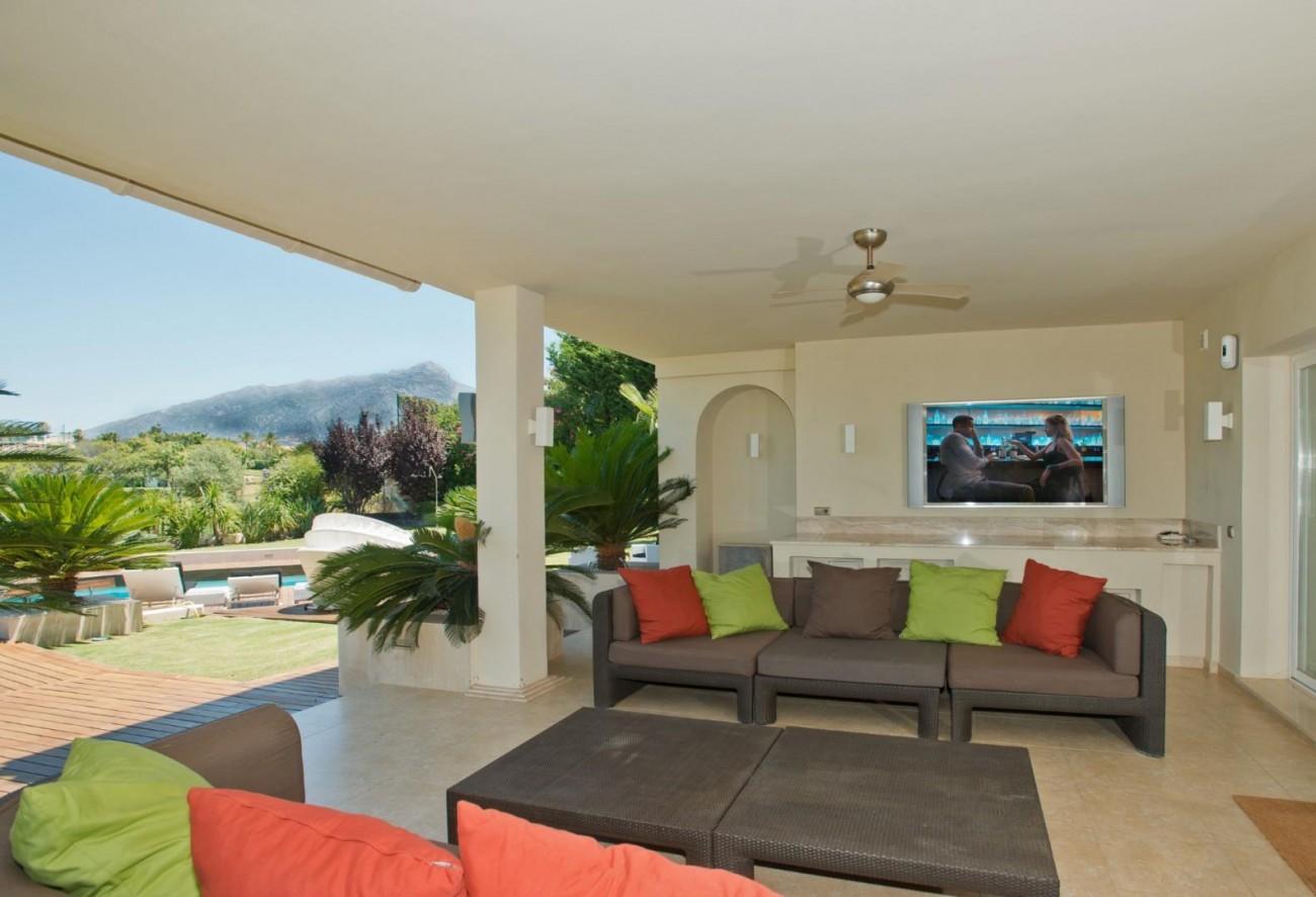 V5549 Frontline golf villa Nueva Andalucia 4 (Large)