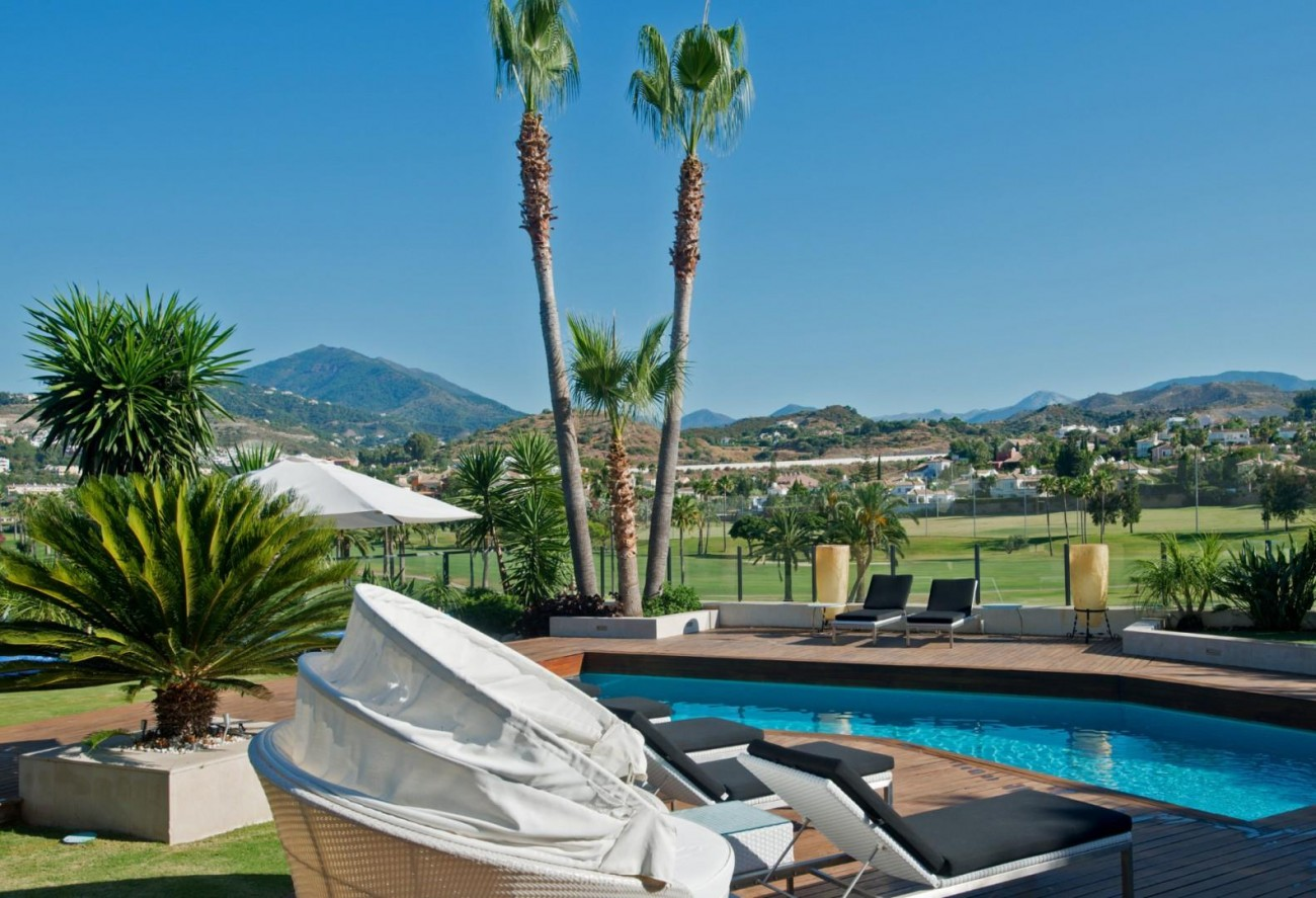 V5549 Frontline golf villa Nueva Andalucia 7 (Large)