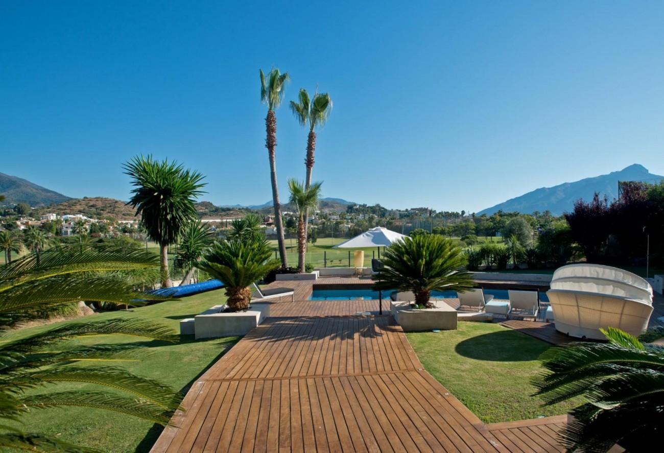 V5549 Frontline golf villa Nueva Andalucia 8 (Large)