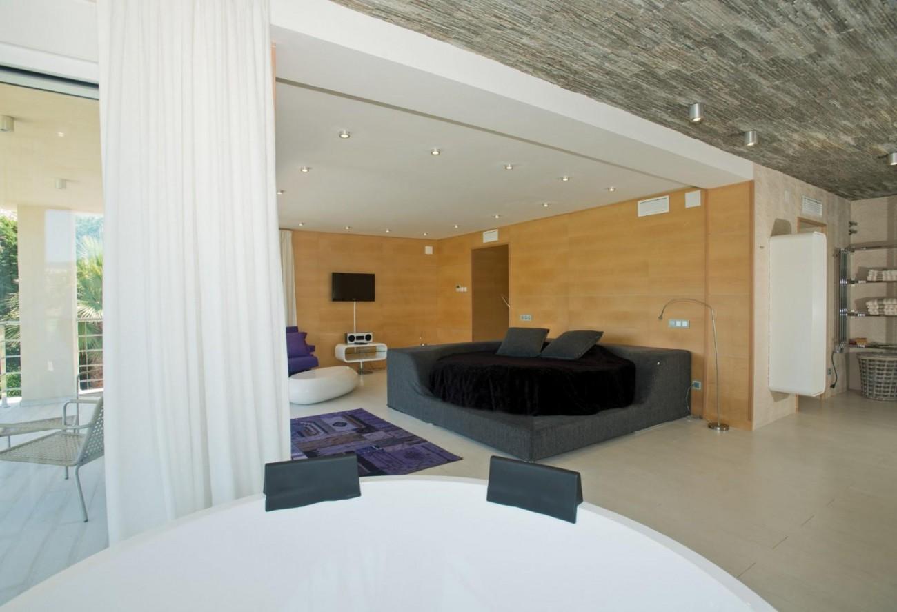 V5549 Frontline golf villa Nueva Andalucia 12 (Large)