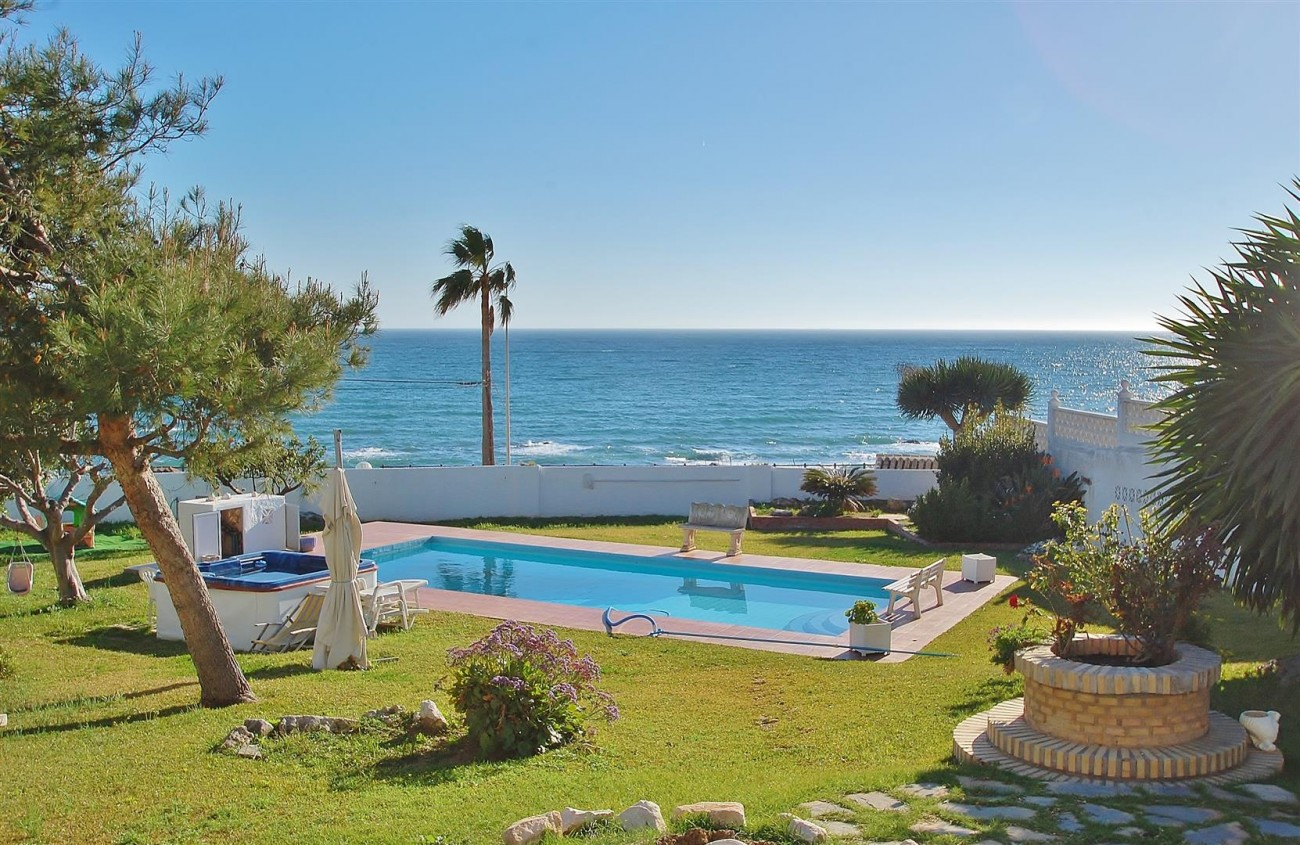 V5553 Unique villa Mijas Costa Spain (Large)