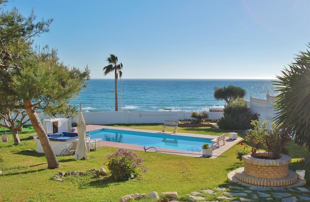 Villa for Sale - 845.000€ - Mijas Costa, Costa del Sol - Ref: 5553