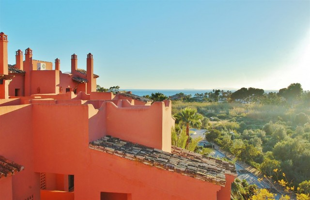 Penthouse for Sale - 550.000€ - Marbella East, Costa del Sol - Ref: 5572