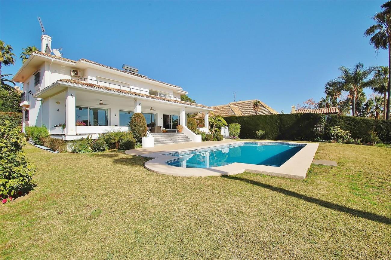 V5573 Frontline golf villa Nueva Andalucia 1 (Large)