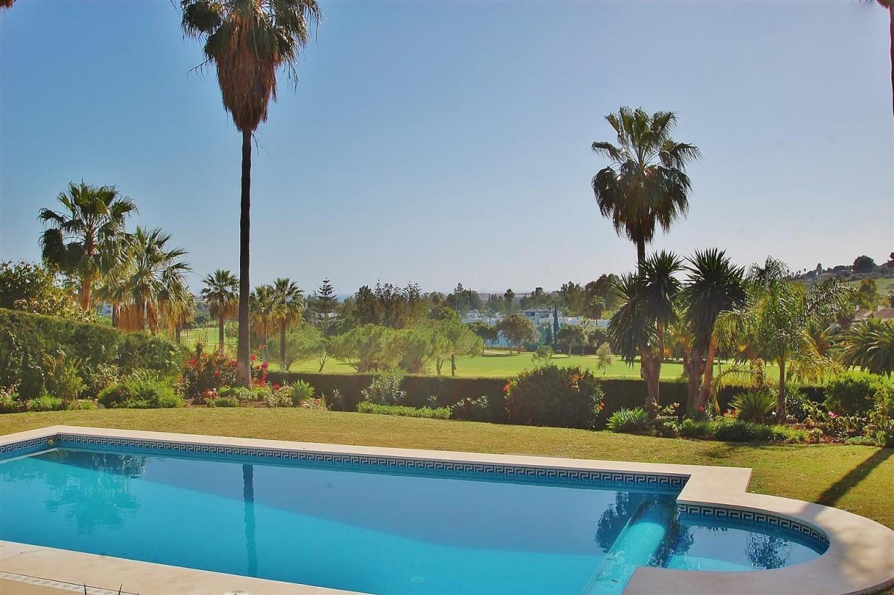 V5573 Frontline golf villa Nueva Andalucia 2 (Large)