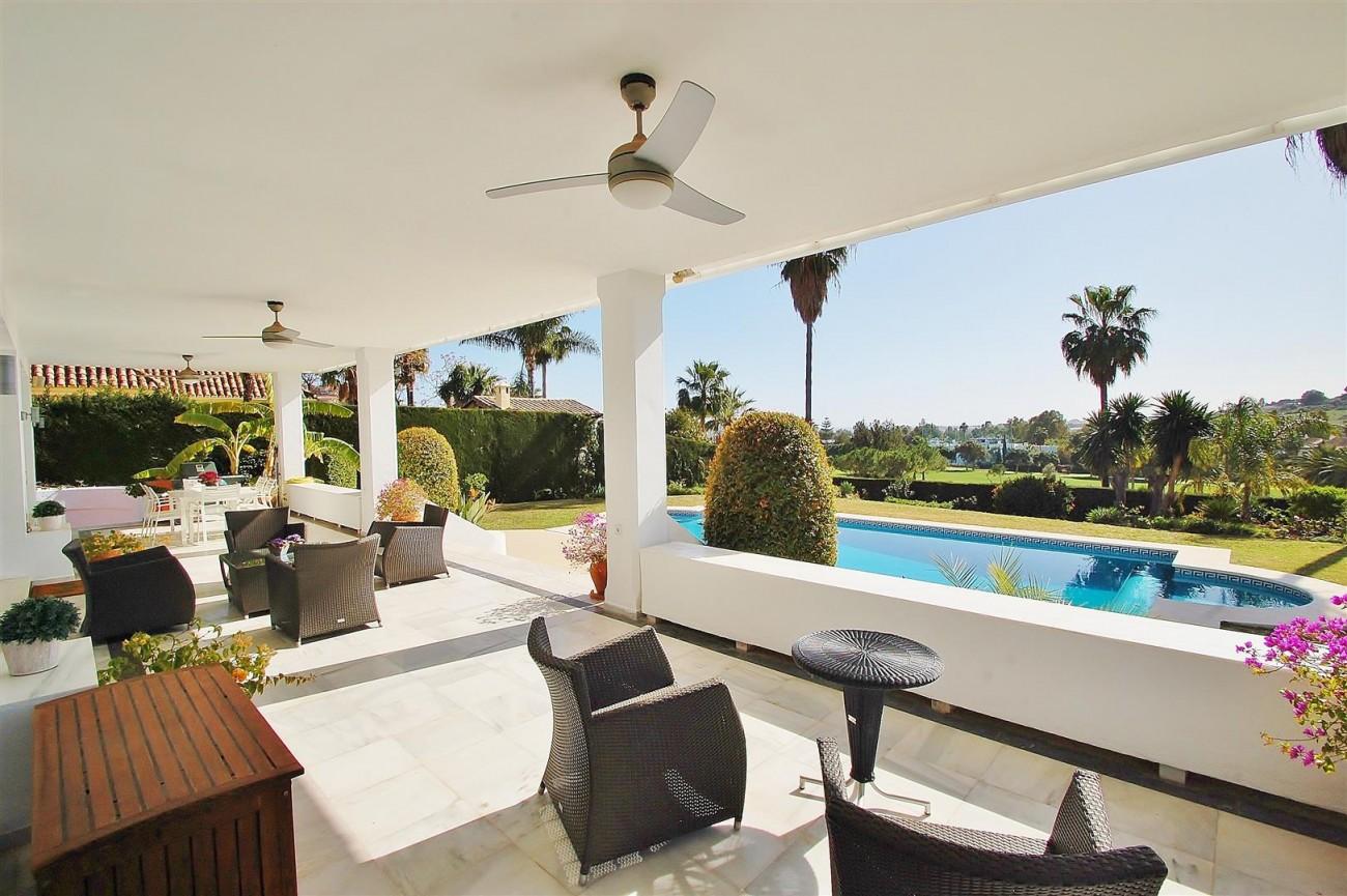 V5573 Frontline golf villa Nueva Andalucia 4 (Large)