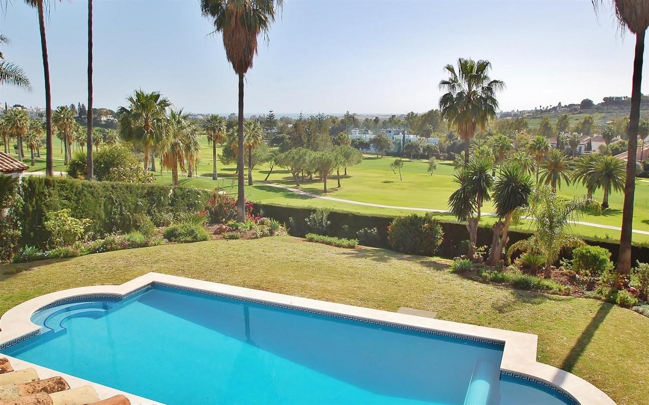 V5573 Frontline golf villa Nueva Andalucia 7 (Large)