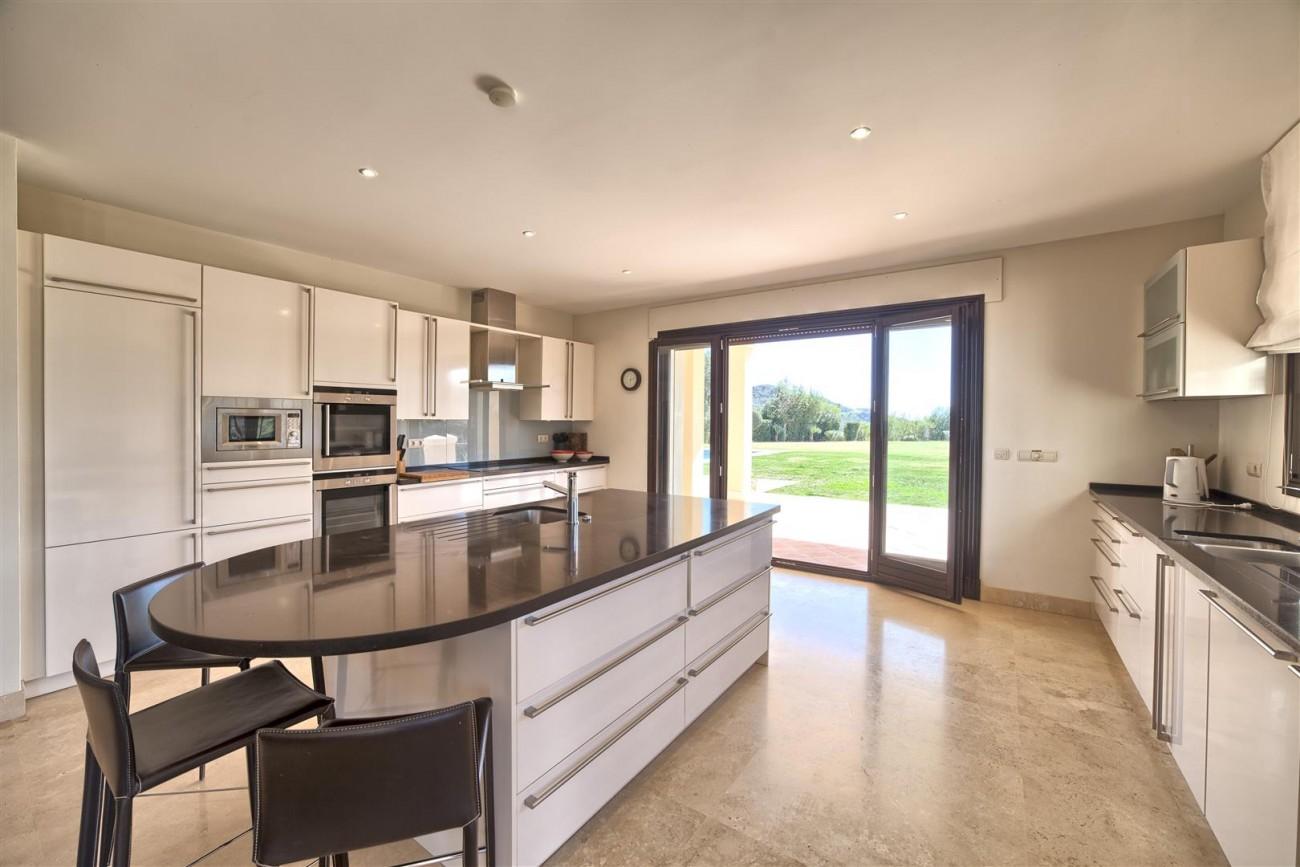 V5576 Luxury Villa Benahavis Spain (1)