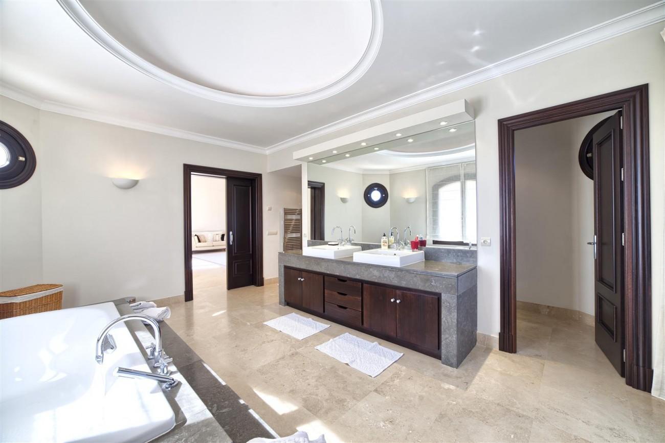 V5576 Luxury Villa Benahavis Spain (2)