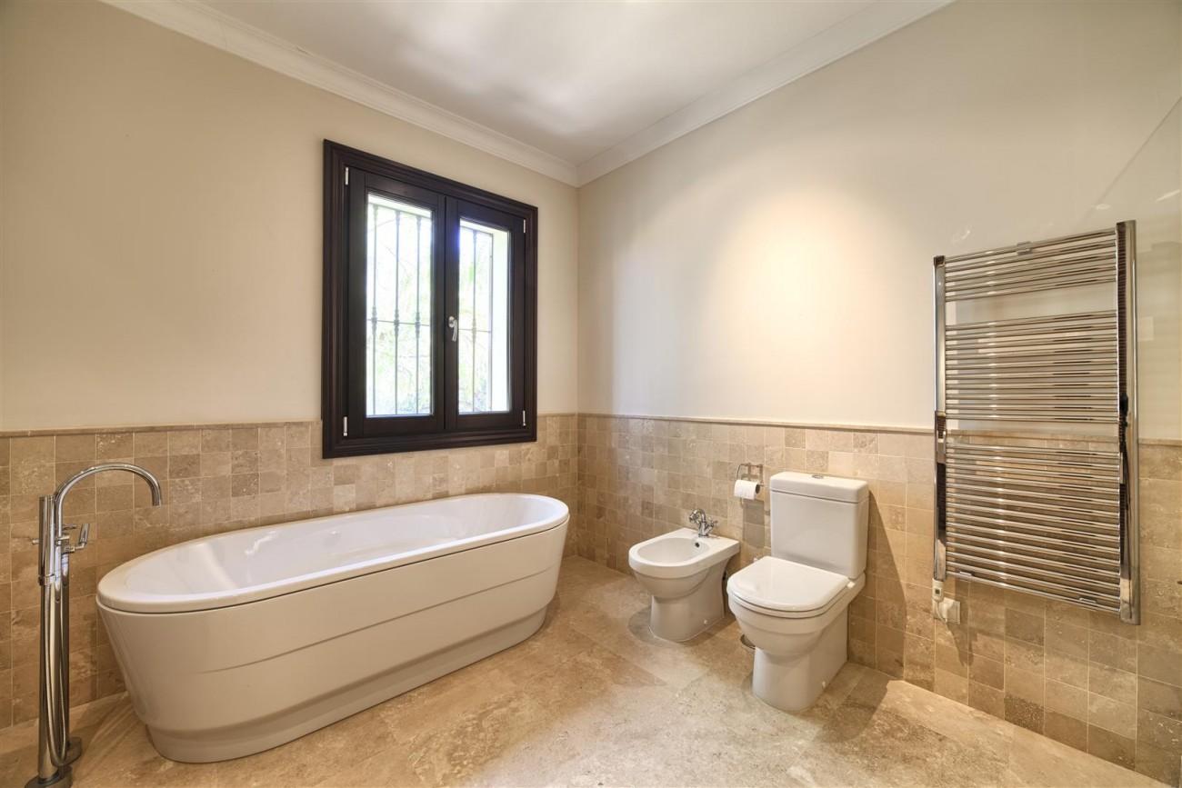 V5576 Luxury Villa Benahavis Spain (4)