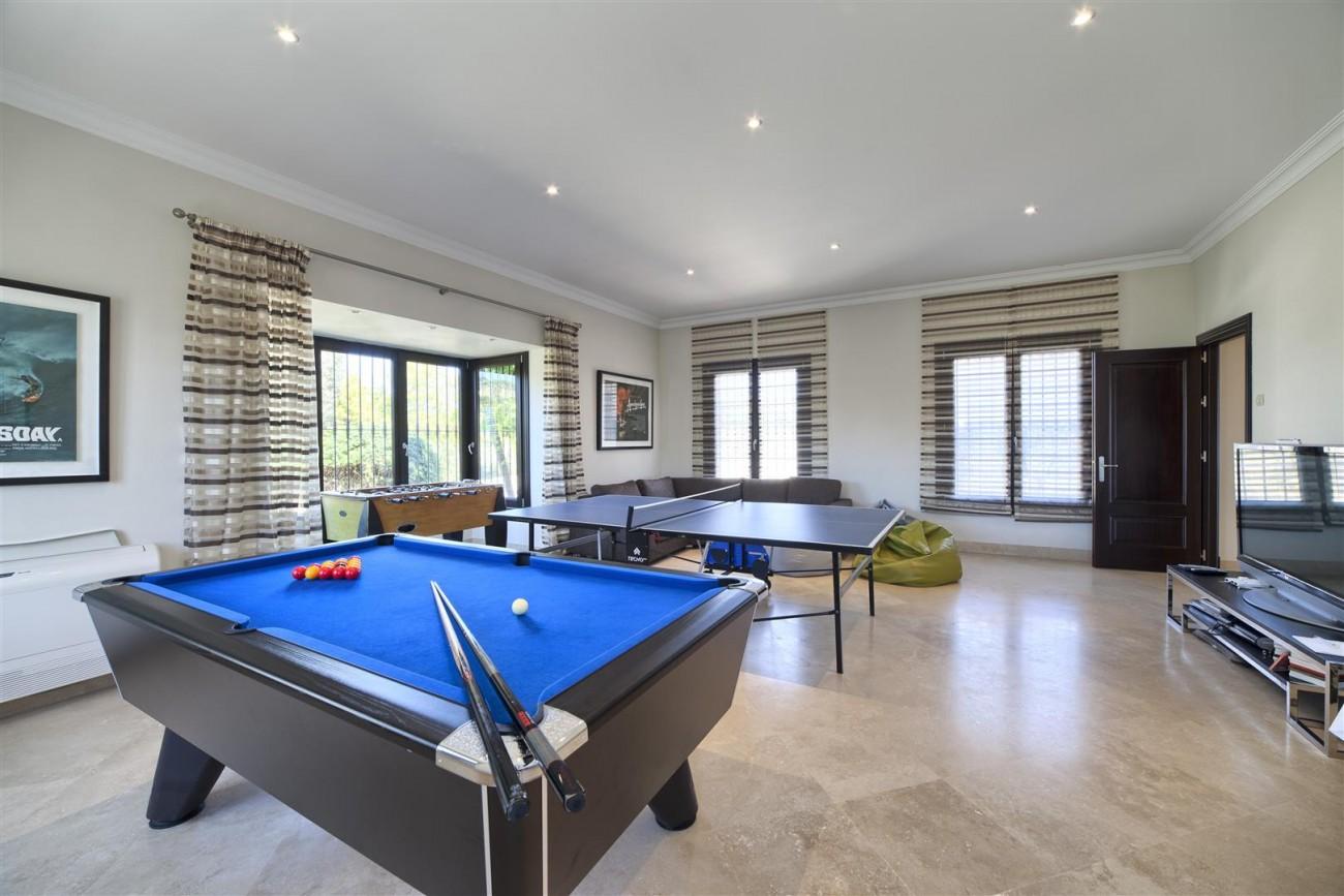 V5576 Luxury Villa Benahavis Spain (6)
