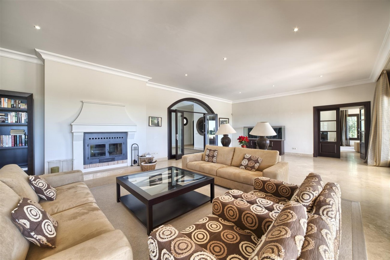V5576 Luxury Villa Benahavis Spain (10)