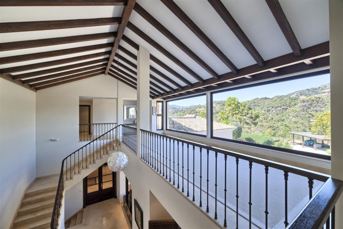 V5576 Luxury Villa Benahavis Spain (12)