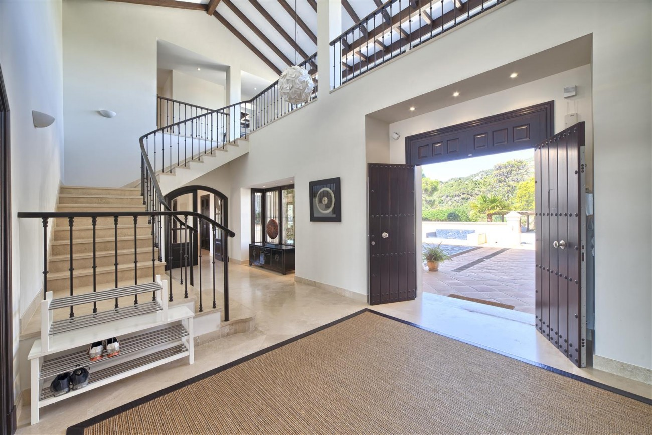 V5576 Luxury Villa Benahavis Spain (13)