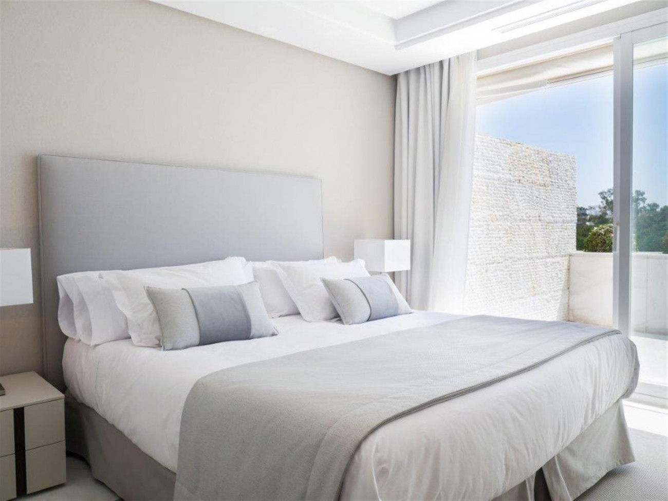 A5579 Frontline beach duplex penthouse Marbella 4 (Large)