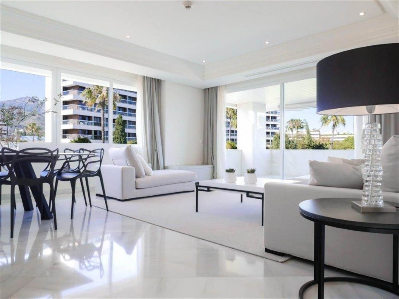 A5580 Frontline beach apartment Marbella 2 (Large)