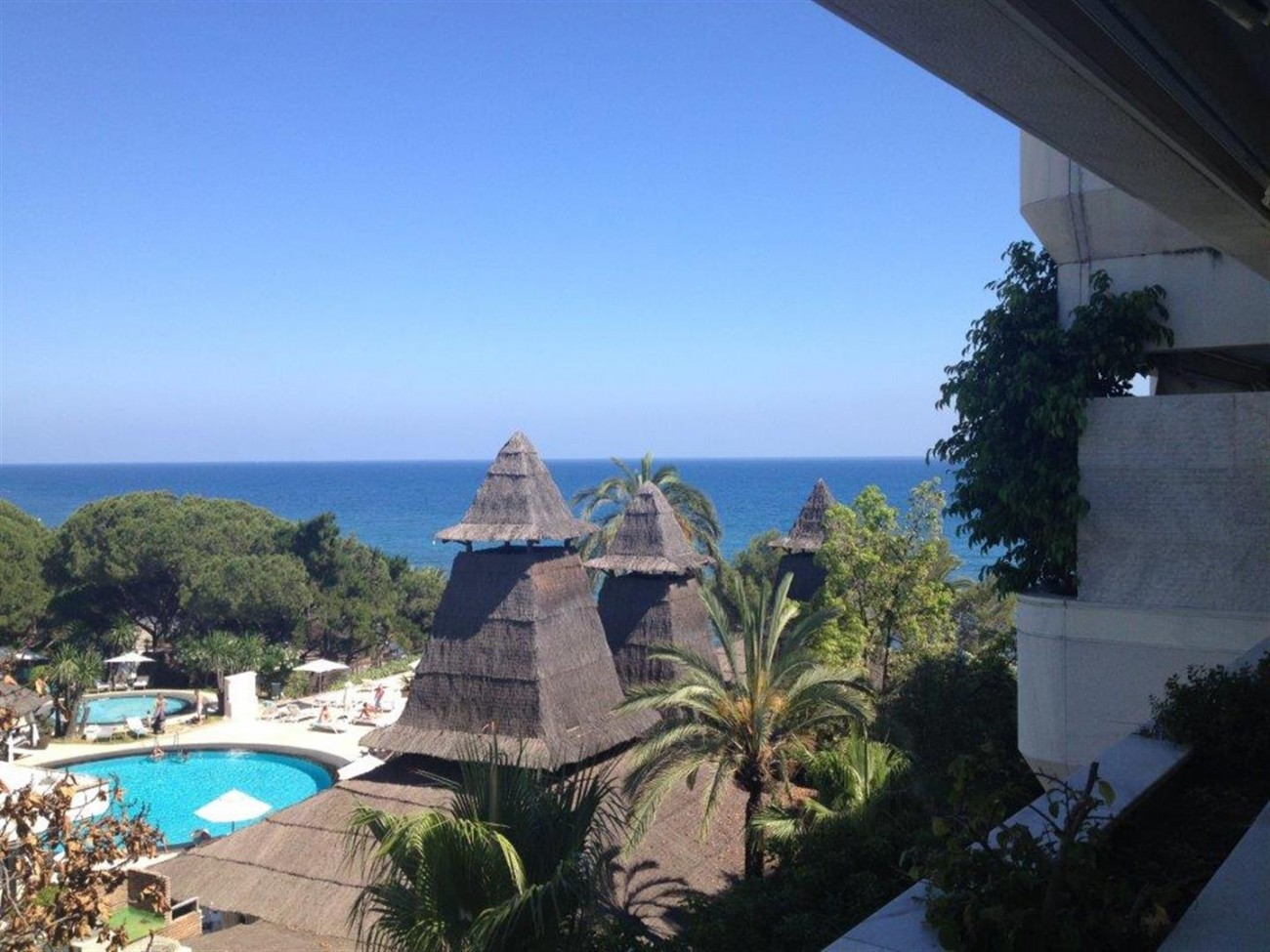 A5580 Frontline beach apartment Marbella 9 (Large)