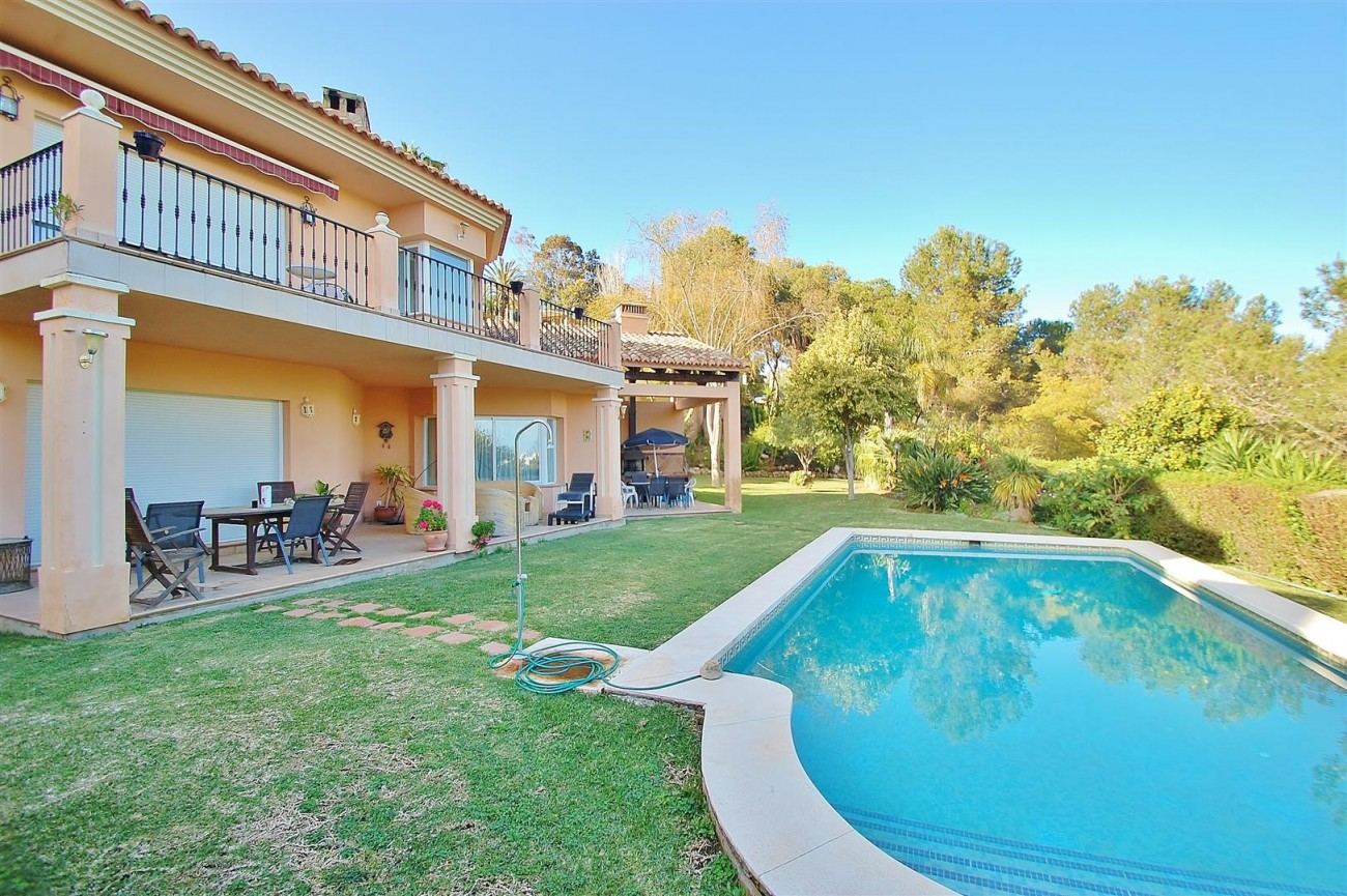Villa East Marbella For Sale Spain (2) (Large)