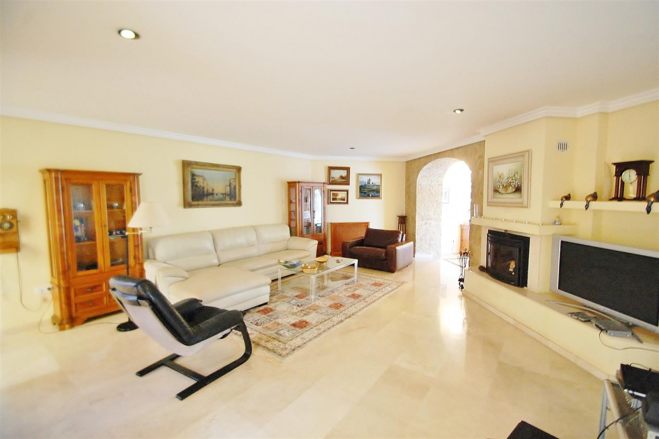 Villa East Marbella For Sale Spain (10) (Large)