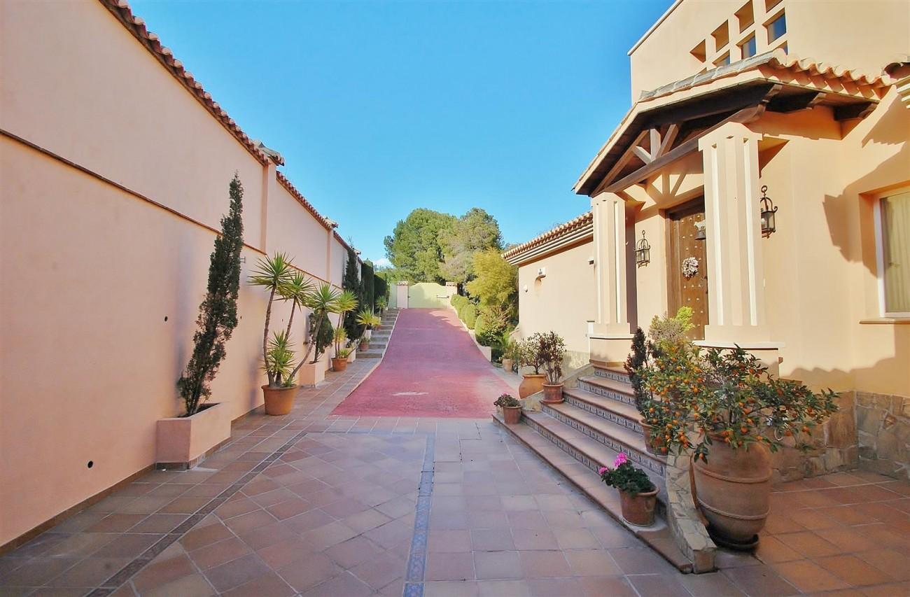 Villa East Marbella For Sale Spain (13) (Large)