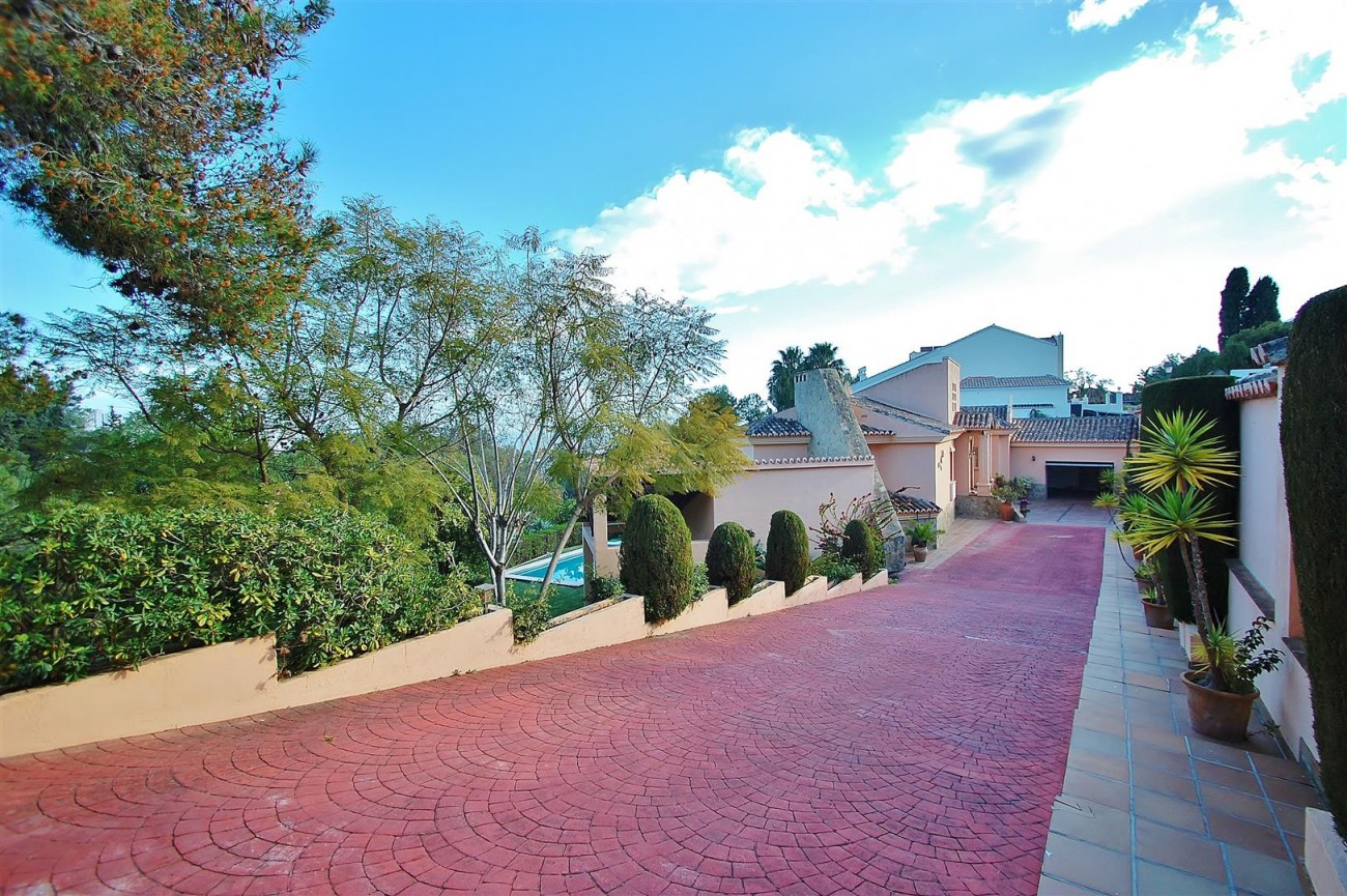 Villa East Marbella For Sale Spain (14) (Large)