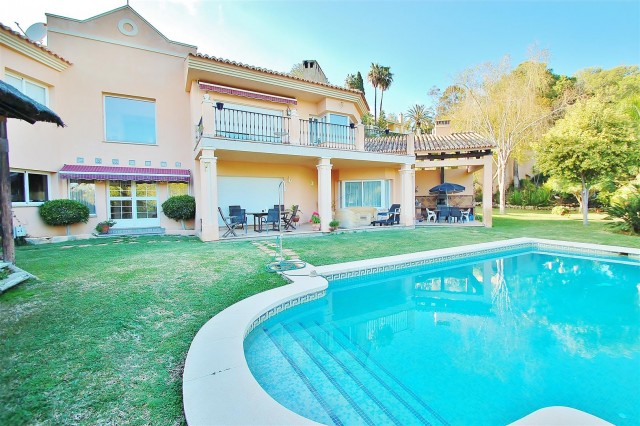 Villa for Sale - 1.100.000€ - Hacienda las Chapas, Costa del Sol - Ref: 5585