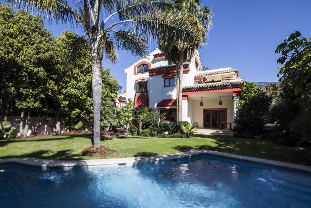 V5588 Villa in Altos de Puente Romano 1 (Large)