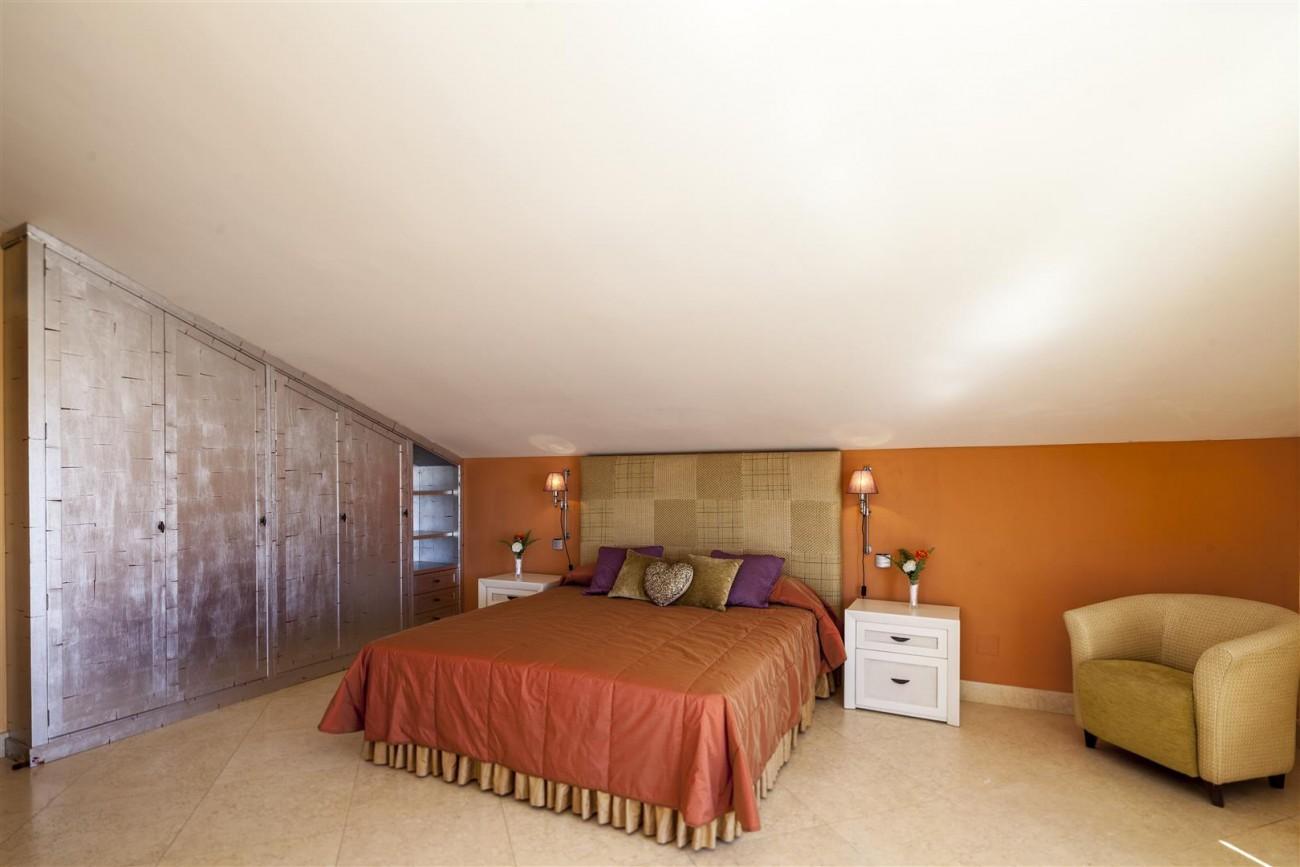 V5588 Villa in Altos de Puente Romano 17 (Large)