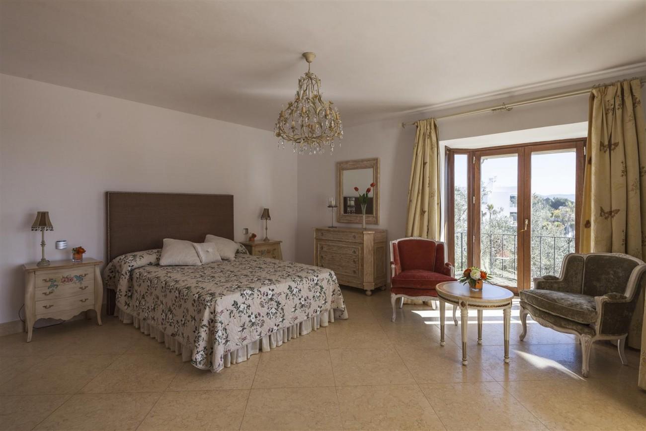 V5588 Villa in Altos de Puente Romano 18 (Large)