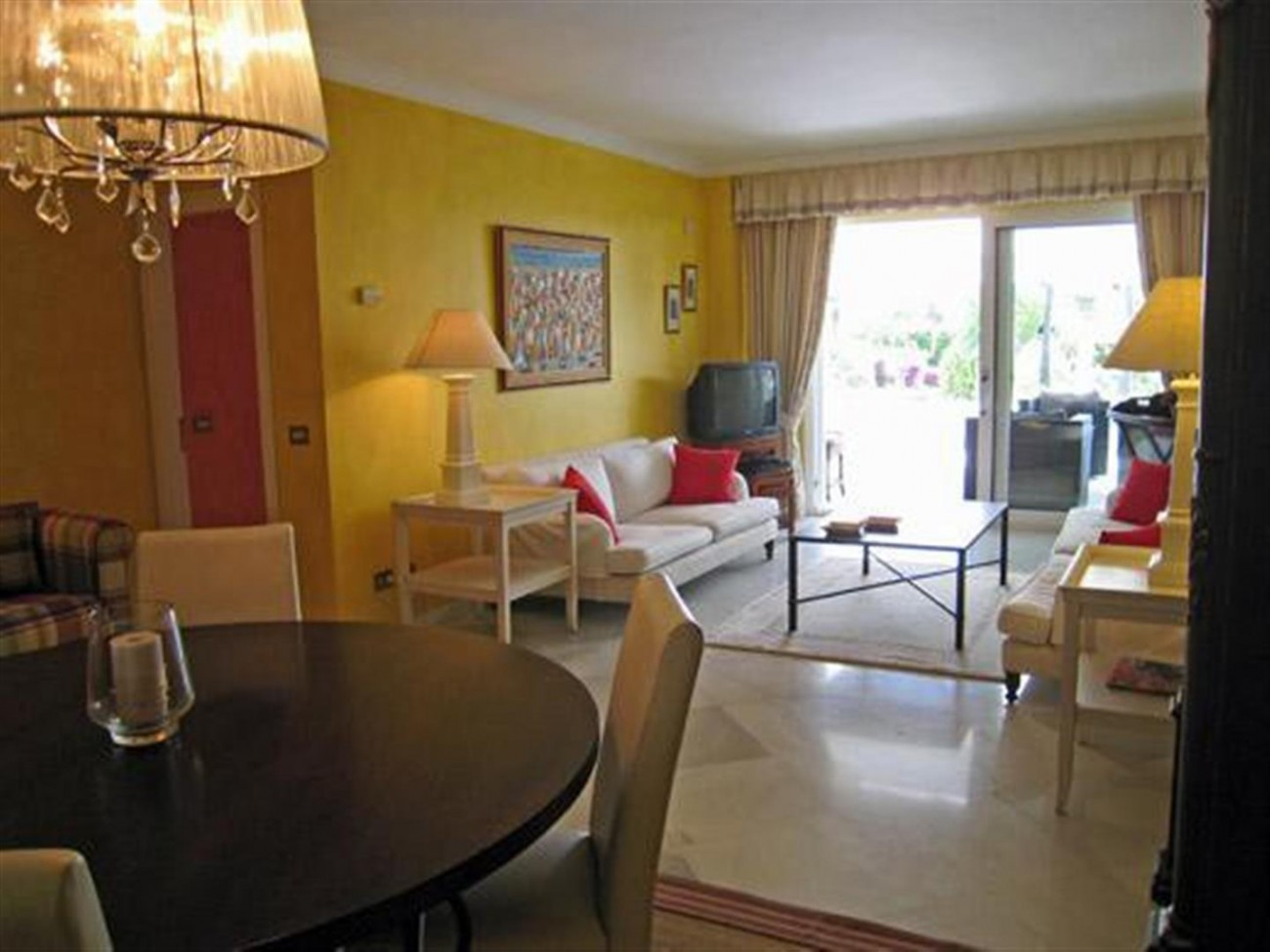 A5591 Frontline beach apartment Puerto Banus 13 (Large)