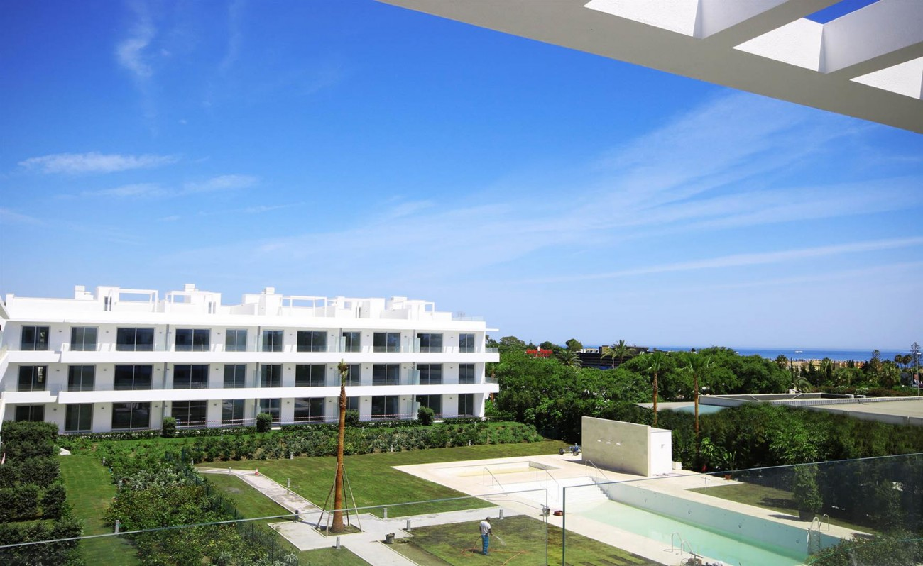 New Contemporary style apartments for sale in Estepona Spain (3) (Large)