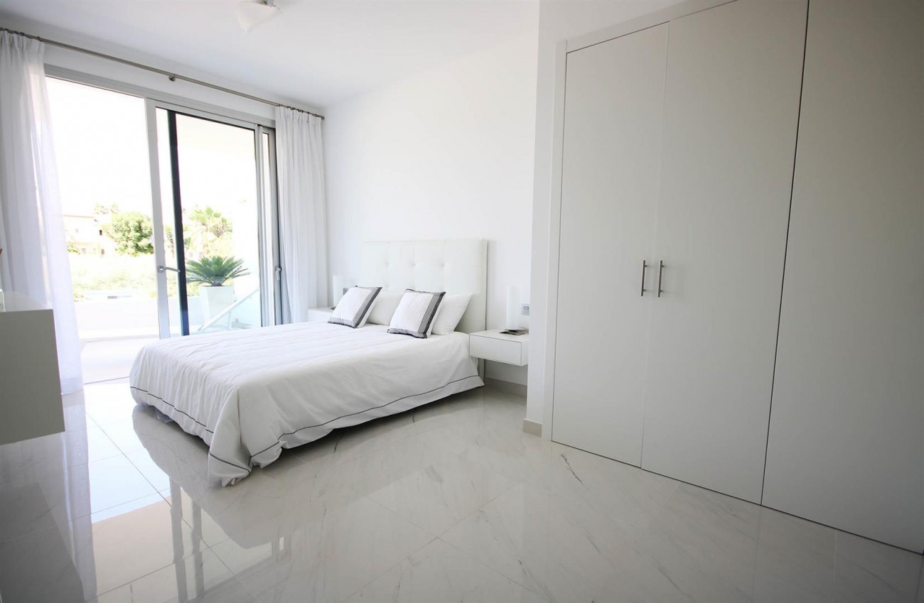 New Contemporary style apartments for sale in Estepona Spain (10) (Large)