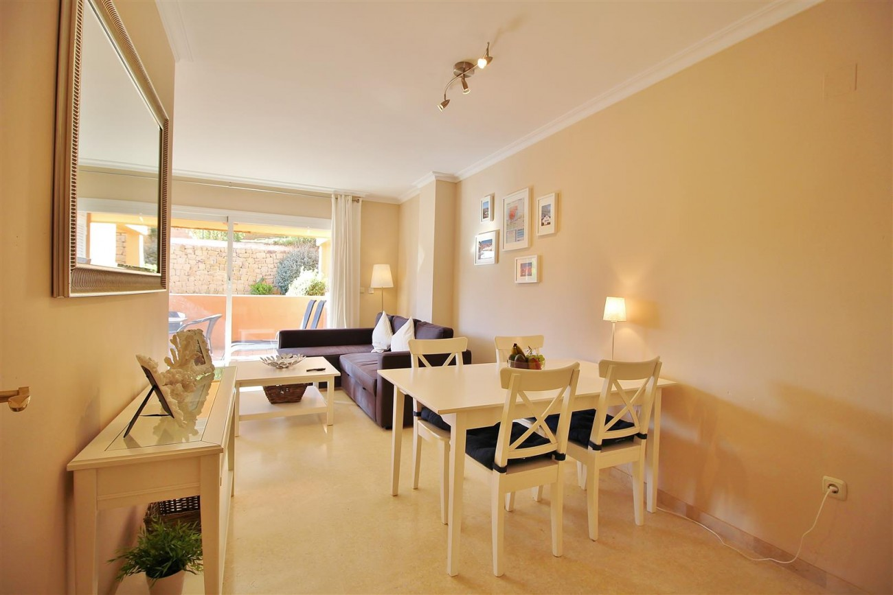 A5595 Elegant Apartment for rent in Elviria Marbella (9)