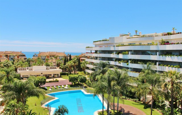Apartment for Rent - 3.500€/week - Puerto Banús, Costa del Sol - Ref: 5597