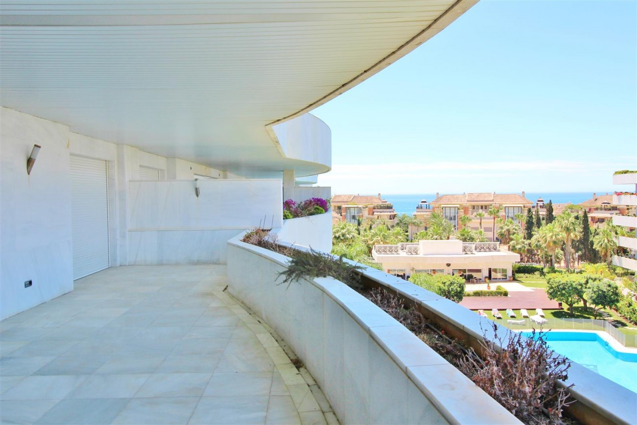 A5597 Spacious apartment in Puerto Banus 2 (Large)