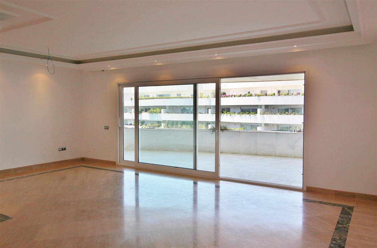 A5597 Spacious apartment in Puerto Banus 12 (Large)