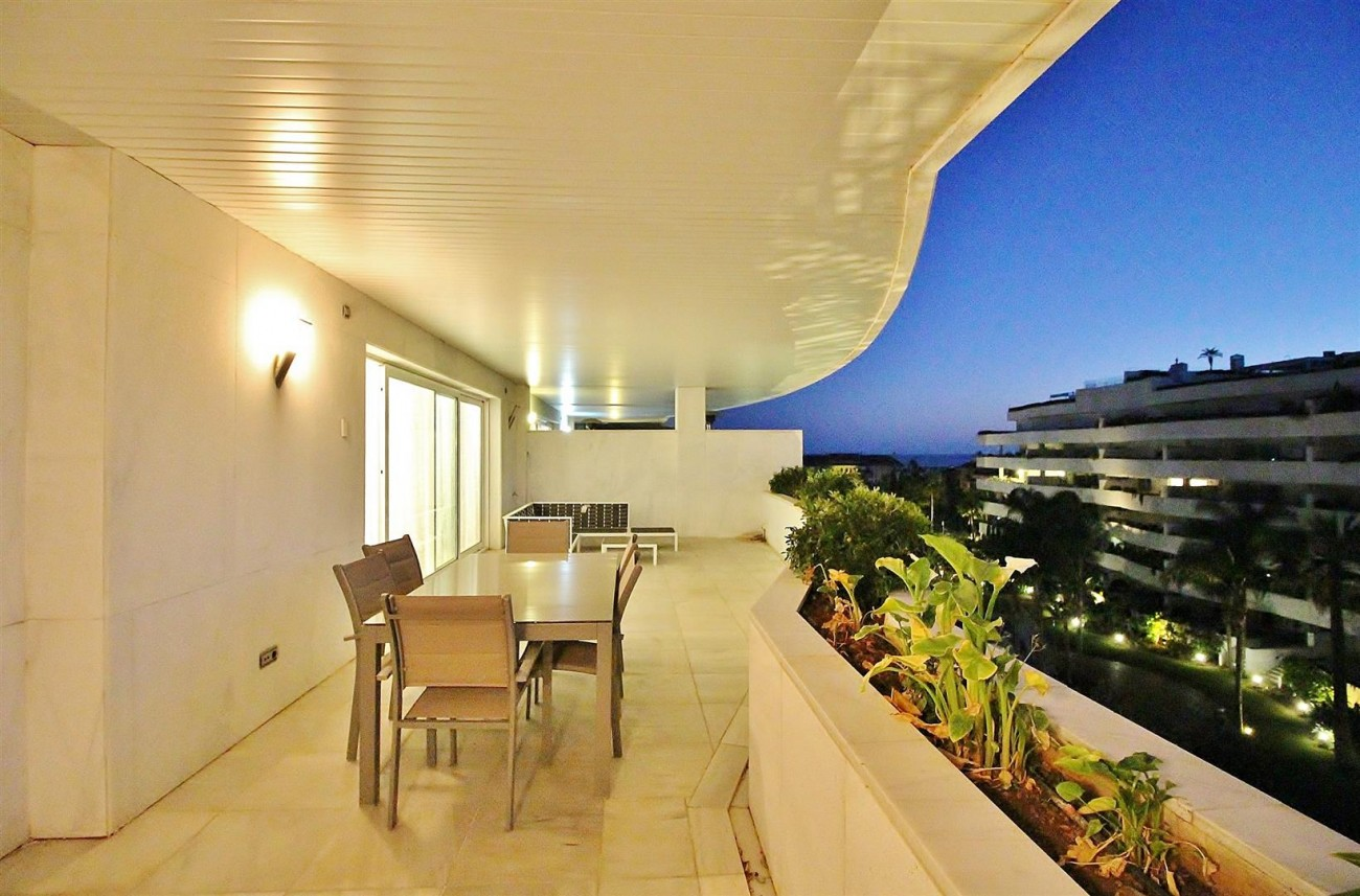A5597 Spacious apartment in Puerto Banus 15 (Large)
