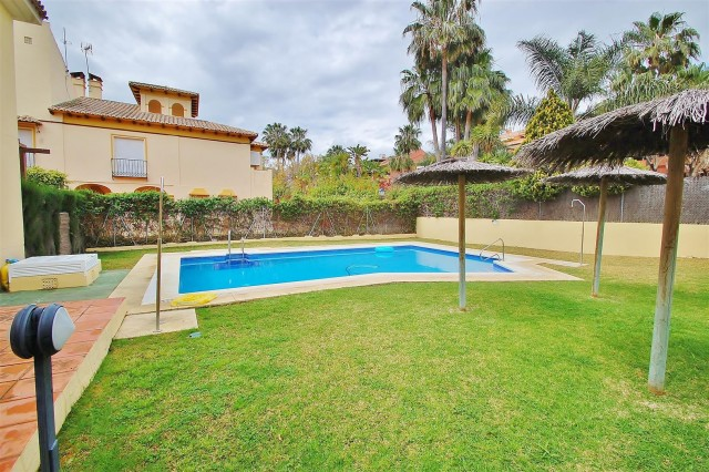Townhouse for Sale - 345.000€ - Puerto Banús, Costa del Sol - Ref: 5601