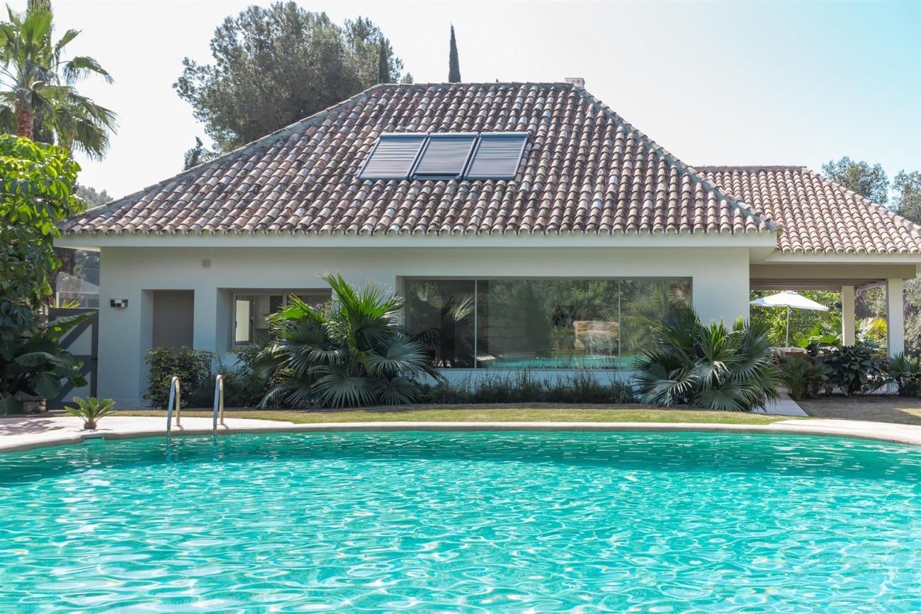 V5606 Luxury frontline golf villa Marbella 1 (Large)